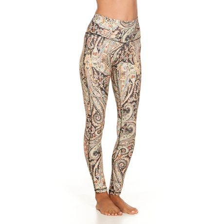 Distinctive Style All-Over Print Leggings